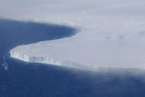 Photo of the Thwaites Glacier from above