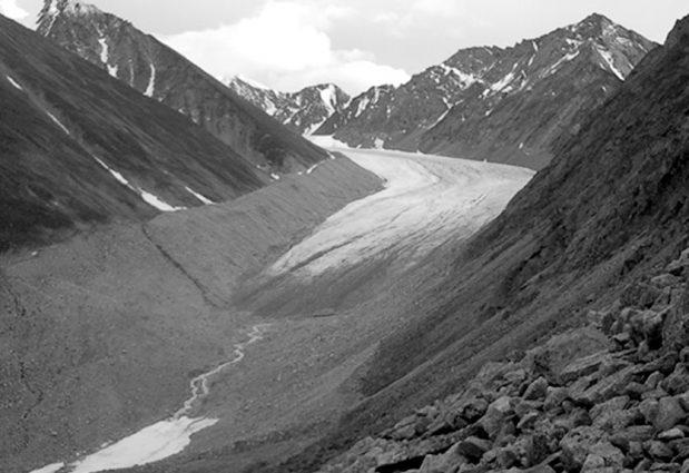 Alaska Range, McCall Glacier in 2003 on GlacierHub