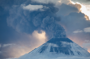Photo of the Klyuchevskoy volcano erupting.